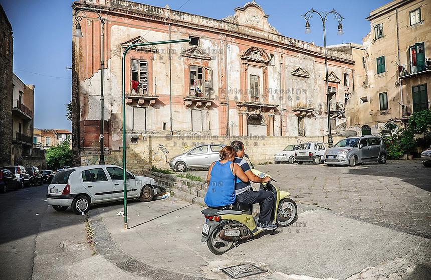 Noble palace in the area Albergheria in Palermo.<br /> Palazzo nobiliare nel quartiere Albergheria a Palermo.