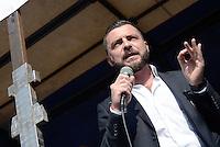 Roma, 28 Settembre 2016<br /> Walter Rizzetto, Deputato Movimento 5 Stelle<br /> Manifestazione nazionale dei venditori ambulanti contro la direttiva Bolkestein.<br /> Rome, 28 September 2016<br /> national demonstration of street vendors against the Bolkestein directive.