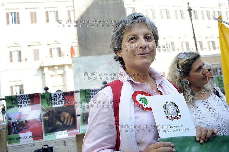 Roma 24 settembre 2011.Piazza Montecitorio.Il treno delle donne in difesa della Costituzione.