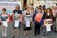 Roma 25 Giugno 2014<br /> Presidio davanti al Parlamento , per denunciare la situazione in Palestina, per il rispetto della legalit&agrave; internazionale e dei diritti umani nella Palestina occupata. I manifestanti  protestano anche  contro il governo e le forze armate israeliane che in seguito alla scomparsa di tre giovani coloni dalla zona C della Cisgiordania occupata (zona sotto il completo controllo militare dell&rsquo;esercito israeliano), ricorrono alla punizione collettiva di tutta la popolazione palestinese.<br /> Rome June 25, 2014 <br /> Protest outside the Parliament, to denounce the situation in Palestine, for the respect of international law and human rights in occupied Palestine. I Demonstrators protest also against the government and the IDF that following the disappearance of three young settlers from the area C the occupied West Bank (the area under the complete control of the Israeli military), they resort to collective punishment of the entire Palestinian population.