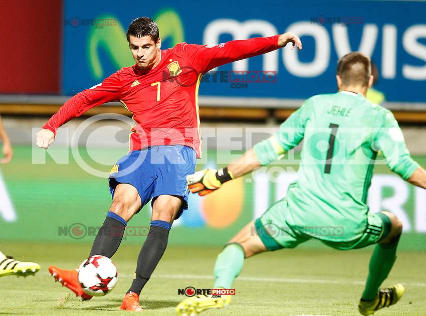 Spain's Alvaro Morata (l) and Liechtenstein's Peter Jehle during FIFA World Cup 2018 Qualifying Round match. September 5,2016.(ALTERPHOTOS/Acero) /NORTEPHOTO