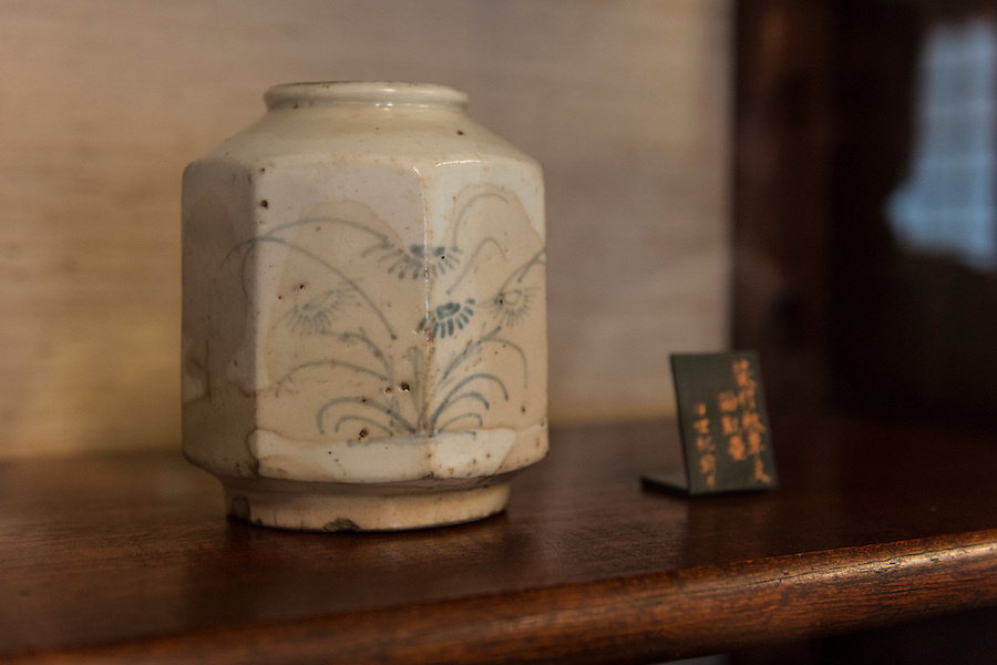 "A Korean ""hakuji sometsuke"" jar, Japan Folk Crafts Museum (Mingeikan), Tokyo, Japan, September 9, 2012. The museum was founded in 1936 by Soetsu Yanagi (1889-1961). It is dedicated to promoting the Mingei folk crafts movement and showing items from all over Japan. A contemporary and friend of Bernard Leach, Yanagi believed in the high aesthetic value of everyday items made by anonymous craftsmen working in set traditions."