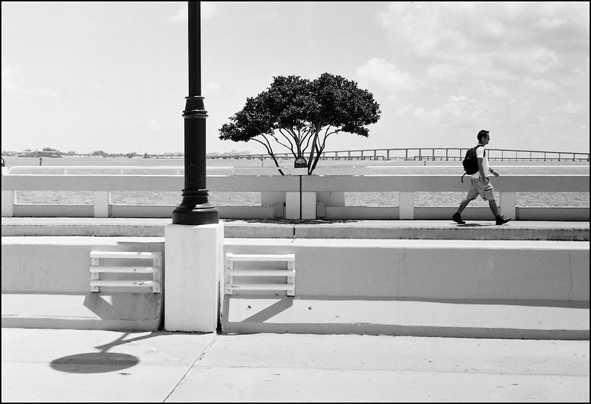 """From """"Walking Downtown"""" series. Maimi, 2009."""