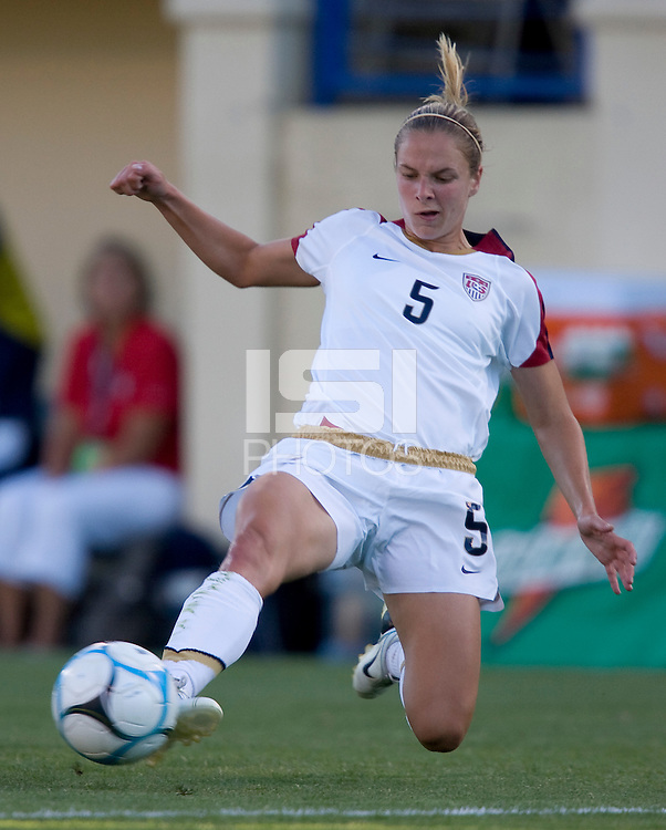 Lindsay Tarpley slides for the ball. USA defeated Japan 4-1 at Spartan Stadium in San Jose, CA on July 28, 2007.