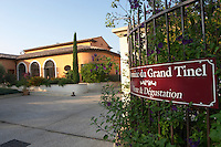 domaine du grand tinel chateauneuf du pape rhone france