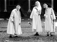 [CLOISTERED NUNS 1]09/20/95 NEWARK. SISTER MARY JOSEPH, SISTER CLARA MARIE, AND SISTER MARY MARGARET ENJOY A FRIENDLY GAME OF CROQUET DURING THEIR RECREATION HOUR. DANIELLE P. RICHARDS/THE RECORD. N95263C04