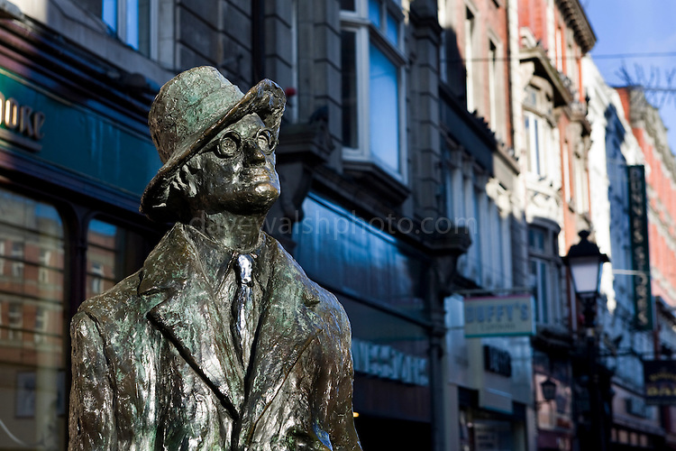 Statue of novelist James Joyce on Dublin's North Earl Street by sculptore Marjorie Fitzgibbon.