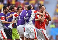 FUSSBALL WM 2014  VORRUNDE    Gruppe D     Schweiz - Ecuador                      15.06.2014 Umjubelter Torschuetze: Haris Seferovic (re, Schweiz) hat viele Gratulanten