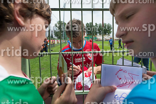 09.06.2012, Stadion Oporowski, Breslau, POL, UEFA EURO 2012, Tschechische Republik, Training, im Bild // during the during EURO 2012 Trainingssession of Czech Nationalteam, at the stadium Oporowski, Breslau, Poland on 2012/06/09. EXPA Pictures © 2012, PhotoCredit: EXPA/ Newspix/ Sebastian Borowski..***** ATTENTION - for AUT, SLO, CRO, SRB, SUI and SWE only *****