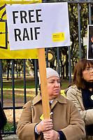 Roma 15 Gennaio 2015<br /> Sit-in di Amnesty International Italia, davanti all'Ambasciata dell'Arabia Saudita  per chiedere l&rsquo;annullamento della condanna a 10 anni di carcere e a 1000 frustate inflitta a Raif Badawi blogger saudita imprigionato con l'accusa di apostasia.<br /> Rome January 15, 2015<br /> Sit-in of Amnesty International Italy, in front of the Embassy of Saudi Arabia to ask for the annulment of the sentence of 10 years in prison and 1000 lashes inflicted on Raif Badawi Saudi blogger jailed on charges of apostasy.