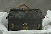Willard Suitcases / William R / ©2016 Jon Crispin