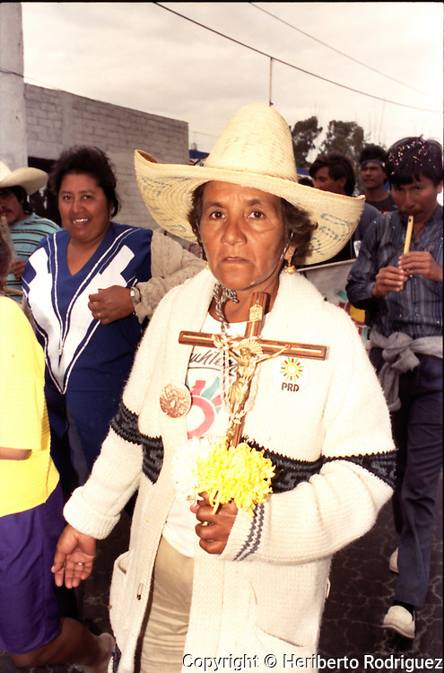 Archive photo of Andres Manuel Lopez Obrador marching with supporters in the highway Calpulapan-Texcoco in Tlaxcala State, January 9, 1992. Lopez Obrador started a rally named Exodus for Democracy against an electoral fraud, by then ruling party PRI, from his natal state of Tabasco to Mexico City.  © Photo by Heriberto Rodriguez