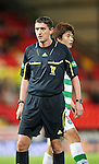St Johnstone v Celtic..27.10.10  .Ref Craig Thomson.Picture by Graeme Hart..Copyright Perthshire Picture Agency.Tel: 01738 623350  Mobile: 07990 594431