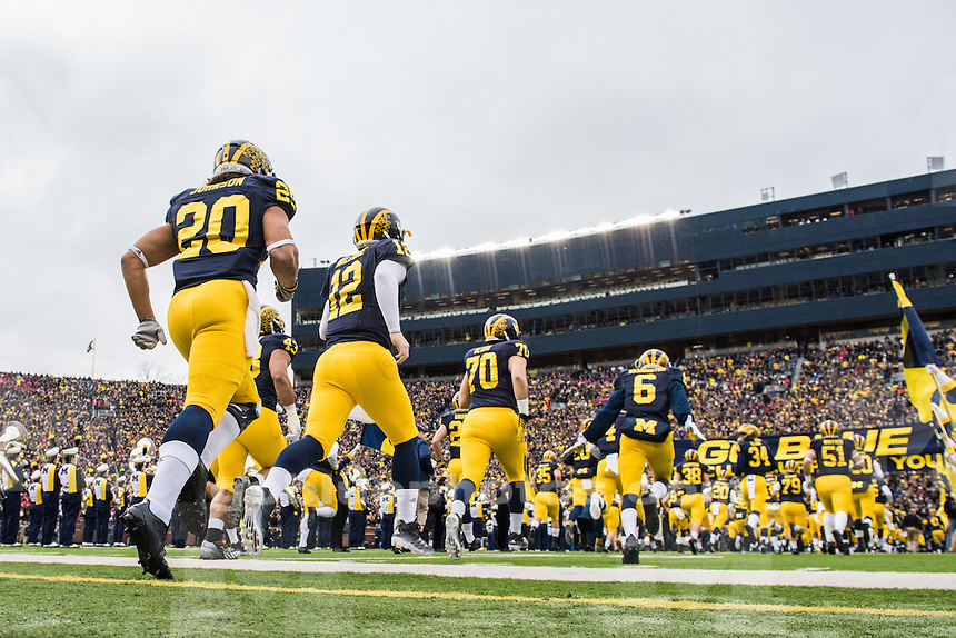 The University of Michigan Wolverines fall to Ohio State, 42-13, at Michigan Stadium in Ann Arbor, MI, on November 28, 2015.