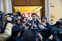 Roma 1 Marzo 2012.Un gruppo di No Tav occupa la sede nazionale  del Partito Democratico per chiedere la  liberazione degli arrestati e che sul sito del Partito Democratico  venga pubblicato un loro comunicato. Il responsabile sicurezza del partito democratico, Emanuele Fiano