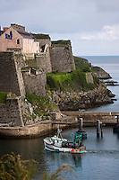 Europe/France/Bretagne/56/Morbihan/ Belle-Ile-en-Mer/Le Palais: Le port et la Citadelle Vauban qui abrite un musée et un Hôtel de Charme