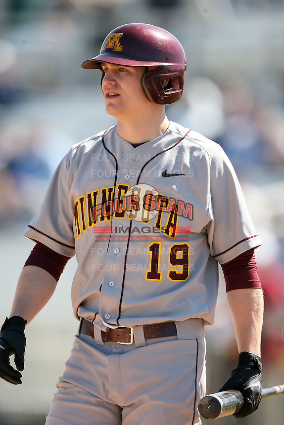 February 21, 2009:  Outfielder Matt Nohelty (19) of the University of Minnesota during the Big East-Big Ten Challenge at Jack Russell Stadium in Clearwater, FL.  Photo by:  Mike Janes/Four Seam Images