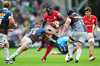Maro Itoje of Saracens takes on the Harlequins defence. Aviva Premiership match, between Harlequins and Saracens on September 24, 2016 at the Twickenham Stoop in London, England. Photo by: Patrick Khachfe / JMP