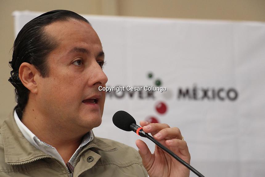Querétaro, Qro. 5 de diciembre de 2016.- Sedesol entrega becas a alumnos de migrantes que corresponden al programa 3X1.
