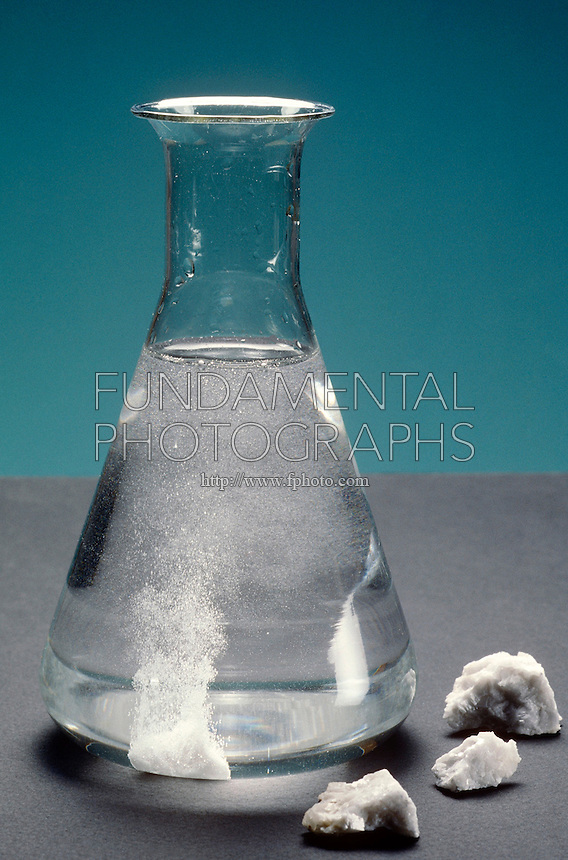 CALCITE MINERAL REACTS TO HYDROCHLORIC ACID<br />