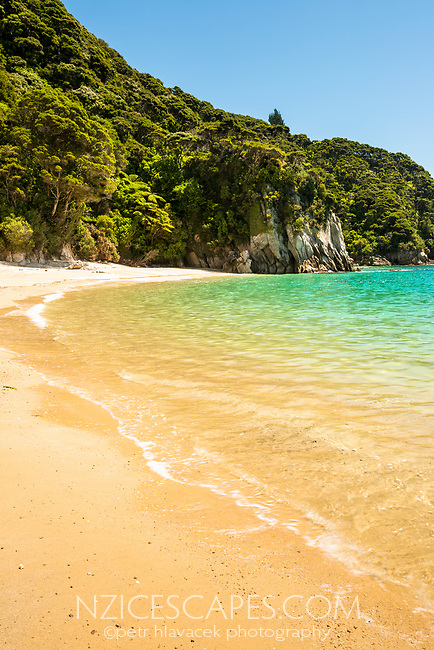 Pristine Anapai Bay on Abel Tasman Coast Track, Abel Tasman National Park, Nelson Region, South Island, New Zealand
