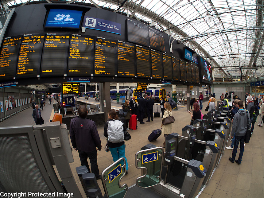 Waverley Station Edinburgh Scotland Waverley Station Edinburgh