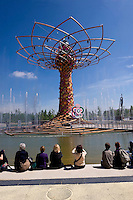 Milano 02  Maggio 2015 <br /> EXPO Milano 2015 Nutrire il pianeta -Energia per la vita<br /> Prima giorno di apertura al pubblico. L'albero della vita<br /> Milan 2 may 2015<br /> EXPO Milano 2015 Feeding the planet -Energy for life<br /> First day of opening to the public. The tree of life
