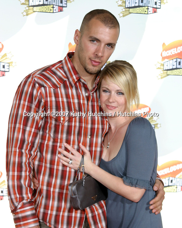 Melissa Joan Hart and husband