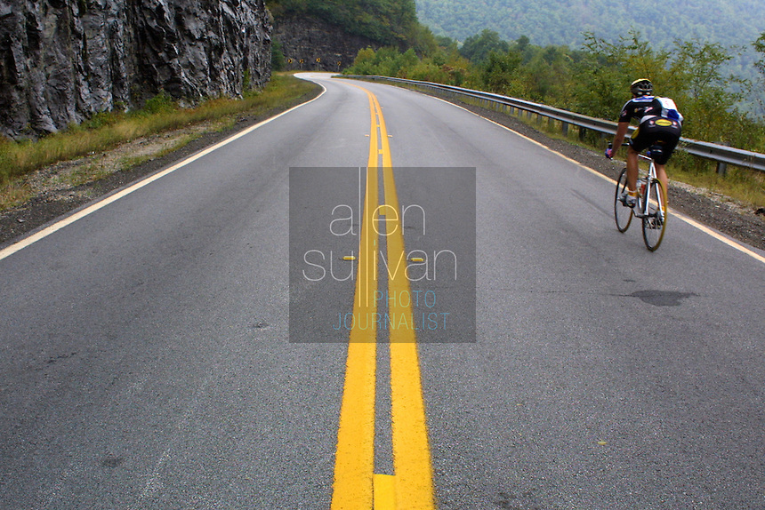 Cyclists descend Hogpen Gap during the Six Gap Century in 2002.