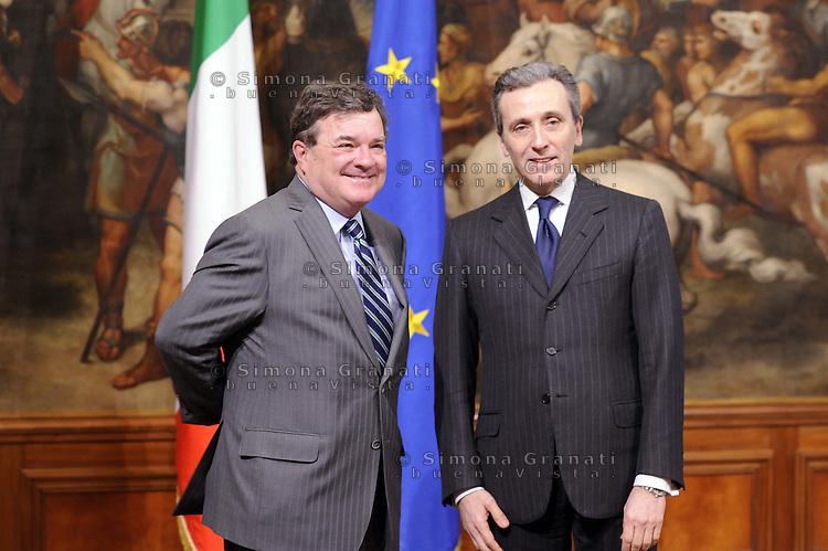 Roma, 17 Febbraio 2012.Palazzo Chigi.Vittorio Grilli viceministro dell'Economia incontra  il Ministro delle finanze del Canada, Jim Flaherty