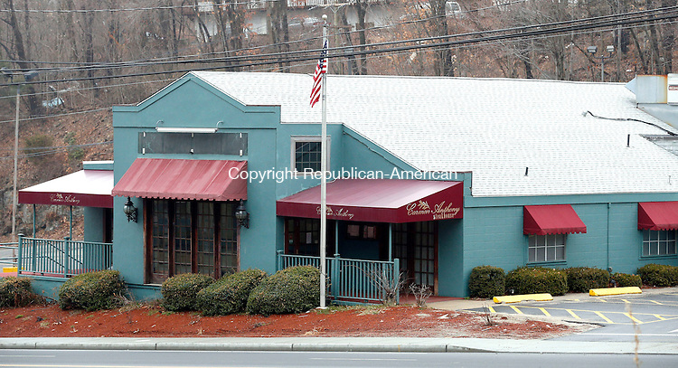 Waterbury, CT- 10 April 2015-041015CM03-   The exterior of Carmen Anthony Steakhouse is shown on Chase Avenue in Waterbury on Friday.  Former owner Carmen Vacalebre, recently had to close the Waterbury location. Christopher Massa Republican-American