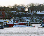 US Airways Plane Crashes into Hudson River in New York City