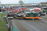 AUTOSPORT: BLAUWHUIS: 27-04-2017, autocross, KINGS BATTLE, gastklasse, vrije standaard + caravans race, ©foto Martin de Jong