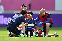 Francois Louw of Bath Rugby is treated after taking a knock. European Rugby Challenge Cup Semi Final, between Stade Francais and Bath Rugby on April 23, 2017 at the Stade Jean-Bouin in Paris, France. Photo by: Patrick Khachfe / Onside Images