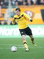 Fussball, 2. Bundesliga, Saison 2011/12, SG Dynamo Dresden - FC Energie Cottbus, Sonntag (11.12.11), gluecksgas Stadion, Dresden. Dresdens Zlatko Dedic am Ball.