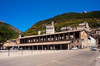 Gubbio,Piazza Quaranta Martiri  la Loggia dei Tiratori e il Palazzo dei Consoli