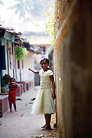 20080203_Fort Kochin, India_ Kids live and play in the historic town of Fort Kochin, which is located in the Southern Indian state of Kerala.  Photographer: Daniel J. Groshong/Tayo Photo Group