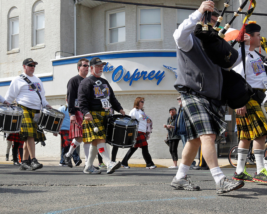 A crowd of more than 3,000 participants participates in the world-record Jersey Shore Kilt Run at the Manasquan beachfront on Sat., March, 22, 2014.