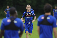 Shaun Derry and the QPR team in training