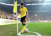 FUSSBALL   1. BUNDESLIGA   SAISON 2011/2012   26. SPIELTAG Borussia Dortmund - SV Werder Bremen               17.03.2012 Shinji Kagawa (Borussia Dortmund) auf dem Weg zum Eckball