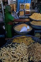 Asie/Inde/Rajasthan/Udaipur : Marché Mandi - Etal snacks