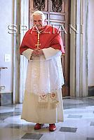 Benedict XVI meeting:Sri Lanka's President Mahinda Rajapaska at the Vatican.Dec. 1, 2008.