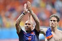 FUSSBALL WM 2014  VORRUNDE    Gruppe B     Spanien - Niederlande                13.06.2014 Nigel de Jong (li)  jubelt nach dem Abpfiff mit Daryl Janmaat (re, beide Niederlande)