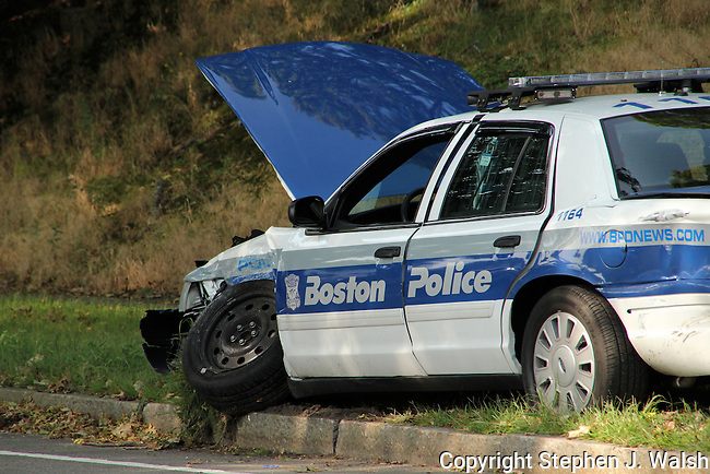 Boston Police Cruiser crash VFW Parkway at LaGrange Street in the West Roxbury neighborhood. Officer sustained minor injuries.
