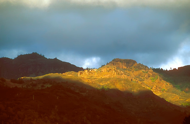 Setting sun lights the Palisades region of Calistoga