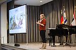 28.1.2013, Berlin, Jüdisches Gemeindehaus. Spendenveranstaltung der Initiative 27.Januar. Mirijam Schmidt, Volontärin.