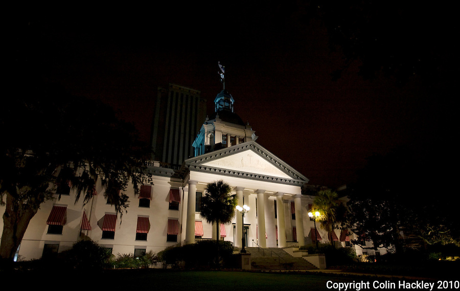 TALLAHASSEE, FLA. 3/2/10-FLORIDA OLD CAPITOL CH02-A night view of Florida's Old Capitol in Tallahassee...COLIN HACKLEY PHOTO
