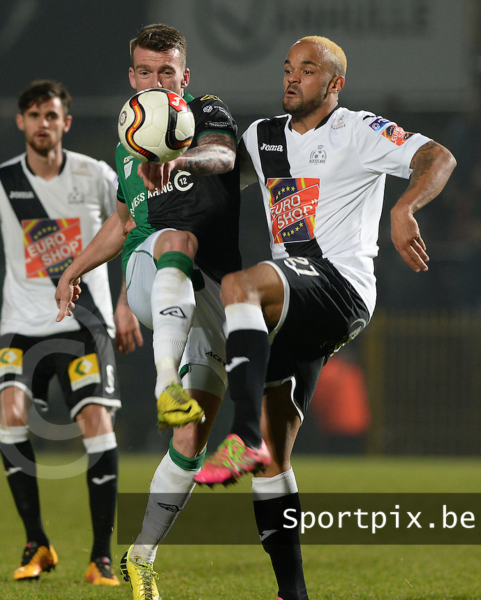 20161217 - ROESELARE , BELGIUM : Cercle's Arne Naudts pictured in a duel with Roeselare's Francois Kompany (r) during the Proximus League match of D1B between Roeselare and Cercle Brugge, in Roeselare, on Saturday 17 December 2016, on the day 20 of the Belgian soccer championship, division 1B. . SPORTPIX.BE | DAVID CATRY