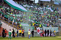TUNJA -COLOMBIA, 13-05-2017: Hinchas de Nacional animan a su equipo durante el encuentro entre Patriotas FC y Atletico Nacional por la fecha 18 de la Liga Águila I 2017 realizado en el estadio La Independencia de Tunja. / Fans of Nacional cheer for their team during the match between Patriotas FC and Atletico Nacional for the date 18 of Aguila League I 2017 played at La Independencia stadium in Tunja. Photo: VizzorImage / Javier Morales  / Cont