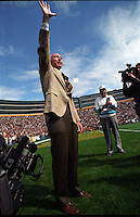 Bart Starr waves to Packers' fans at Lambeau Field..